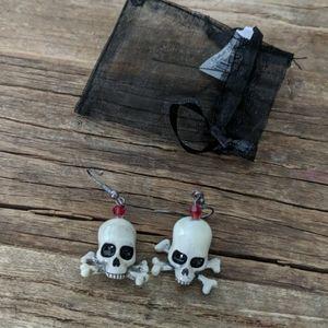 NWT Grasslands Road Skull Halloween Earrings